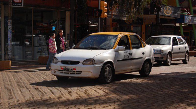 Taxis en Posadas: Piden audiencia pública para fijar una nueva suba en la tarifa