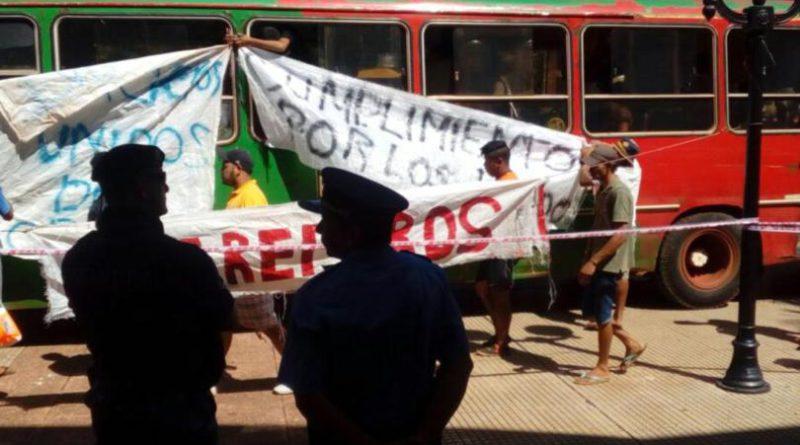 La Justicia Federal ordenó desalojar las rutas paralizadas por los tareferos