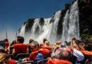 Turistas se quejan por no poder pagar con débito ni crédito la entrada a Cataratas
