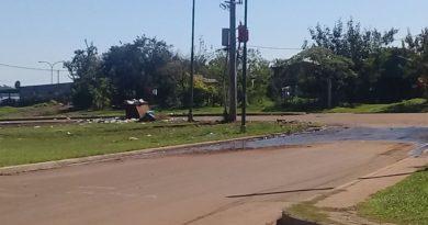 Vecinos de la chacra 251 denuncian que la Municipalidad no quita un contenedor de basura
