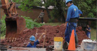 Tras las quejas de los vecinos, Samsa promete que al mediodía se normaliza el servicio de agua