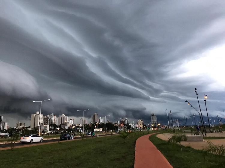 """Alerta Misiones: """"Severa tormenta eléctrica con granizo, se recomienda no salir esta noche"""""""