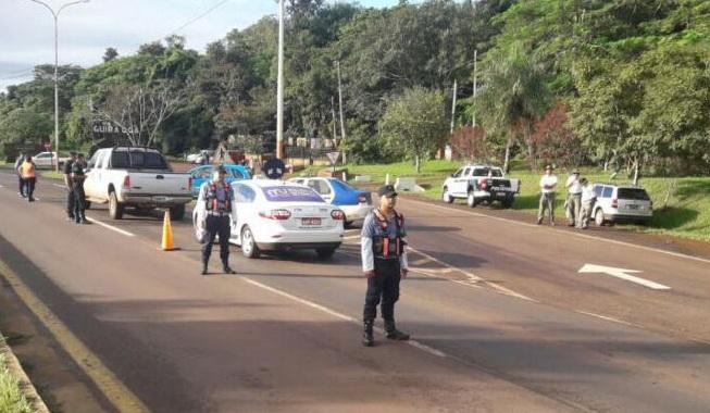 Policías de Tránsito fueron detenidos por cobrar una infracción en ...