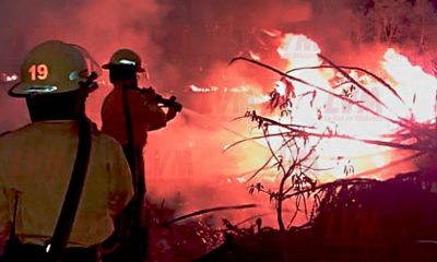 Tres dotaciones de Bomberos trabajan en incendio en reserva Monte Seguín