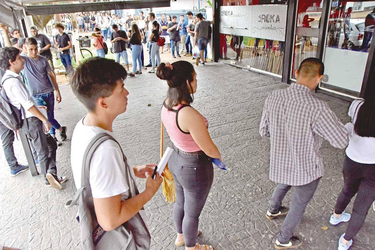 En Posadas hay casi el triple de desempleados que hace un año