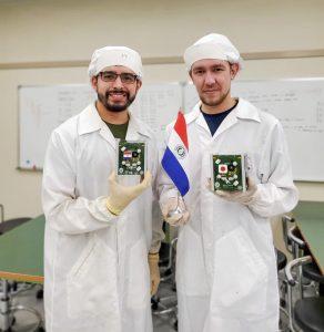 Adolfo Jara y Aníbal Mendoza, desarrolladores del primer satélite paraguayo