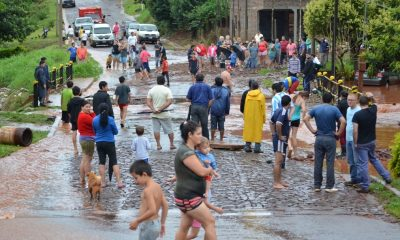 Paraguay: desborde de arroyos, cortes de rutas y cientos de familias en la calle por temporal