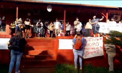 Trabajadores municipales de Colonia Delicia exigen aumento salarial
