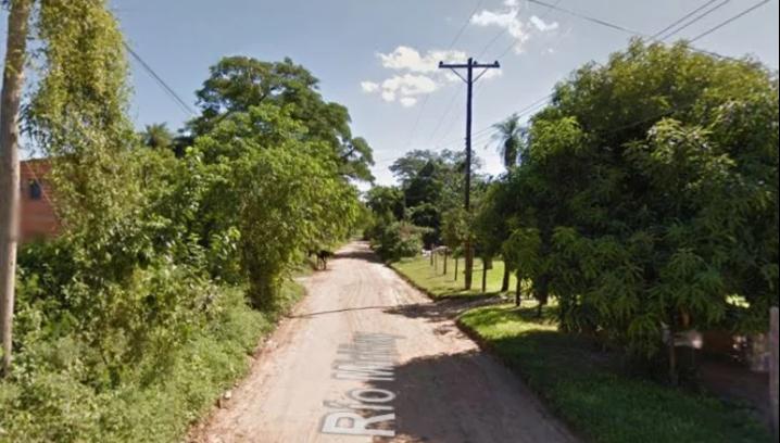 Fue a buscar la pelota a la casa del vecino y murió electrocutado en Corrientes