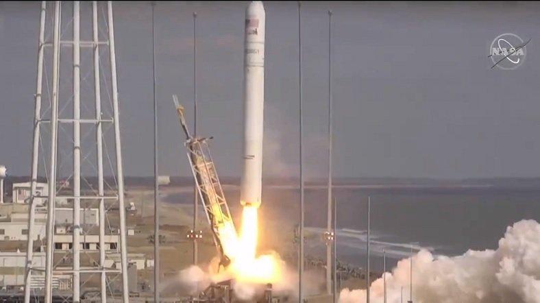 Paraguay lanzó un satélite al espacio por primera vez en su historia