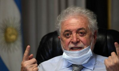 El presidente apartó al ministro de Salud por escándalo de vacunaciones VIP