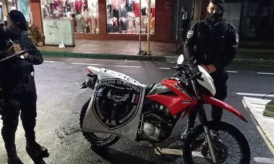 Robaron su moto, la recuperó pero la policía no bajó la captura y lo detuvo