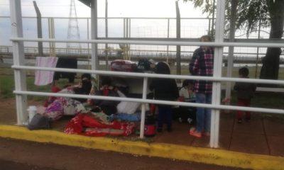 Ingresaron a Misiones las familias varadas en el puente hace 18 días