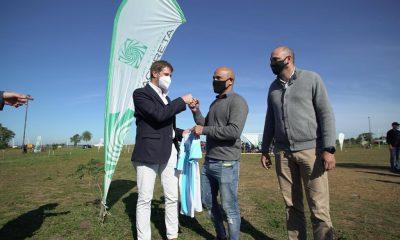 Clemente Rodríguez y el director de Yacyretá recorrieron el predio donde se construirá un Complejo Deportivo