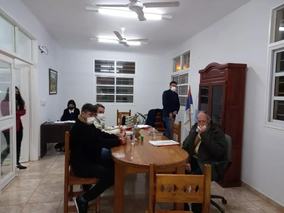 Destituyeron a la concejal de Bonpland que denunció persecución política