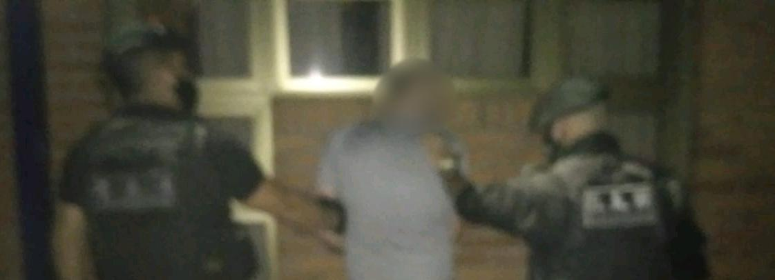 Golpeó a su vecina con una bolsa de huesos y terminó preso en pleno centro