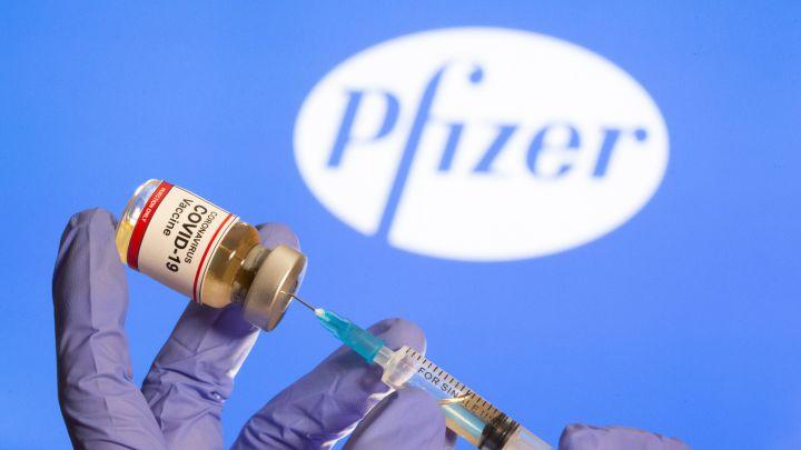 Llegaron las primeras 100.000 dosis de la vacuna Pfizer a la Argentina